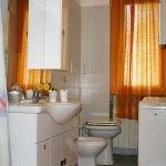 rembrandt-bathroom