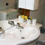 rembrandt-bathroom_2